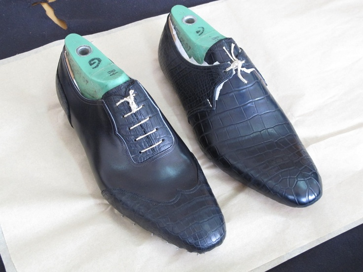 Full croc derby and bicolore croc oxford in the making