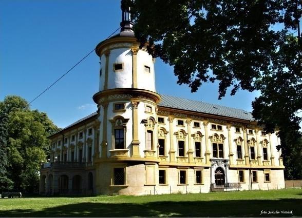 Galerie - Zámek Linhartovy (Zámek) • Mapy.cz