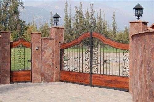 35 best bardas images on pinterest brick fence facades for Modelos de portones de hierro y madera
