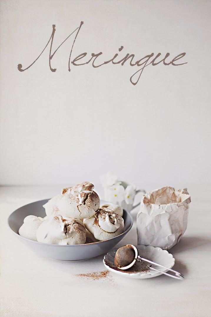 Meringues with pine nuts & cocoa