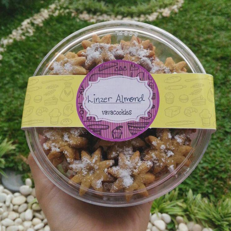 Linzer Almond