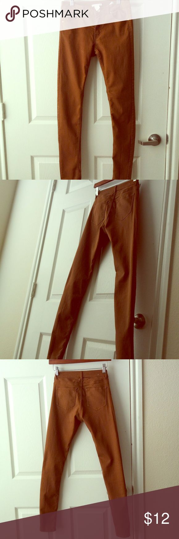Brown Skinny Jeans H&M brown skinny jeans 💗 the perfect shade of brown to match with almost anything. Stretchy and lightweight. I wore them a few times. They fit more like a size 2 in my opinion unless you have a small butt 🍑 H&M Jeans Skinny