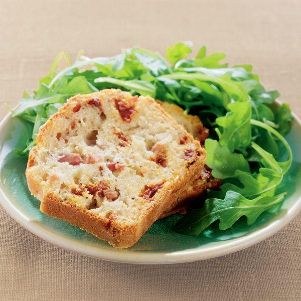 WeightWatchers.fr : recette Weight Watchers - Cake au jambon et aux tomates confites