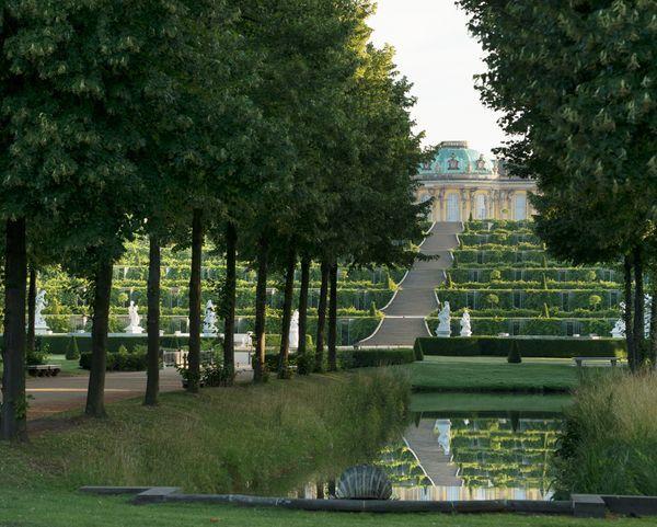 Schlosser Garten Schlosser Garten Im Uberblick Objekt Schloss Sanssouci Stiftung Preussische Schlosser Und Garten Sanssouci Schloss Garten Berlin
