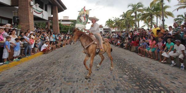 Habrá cierre de calles por desfile charro en Puerto Vallarta