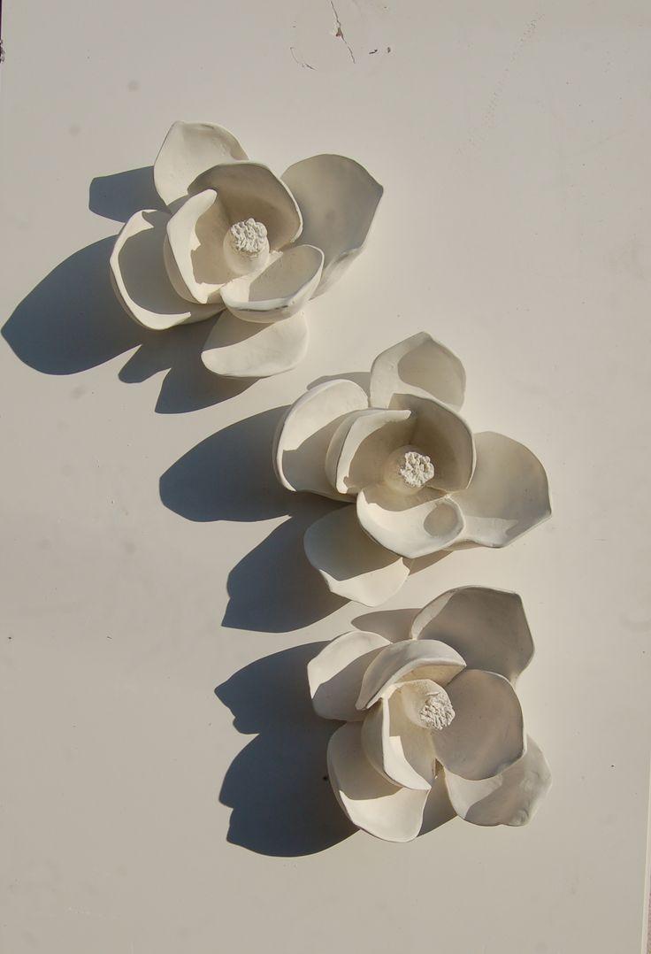 Plaster Flowers Iva Viana Sculpture atelier  www.ivavianaescultura.com https://www.facebook.com/IvaVianaEscultura