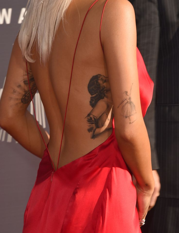 Singer Rita Ora attends the 2014 MTV Video Music Awards at The Forum on August 24, 2014 in Inglewood, California.