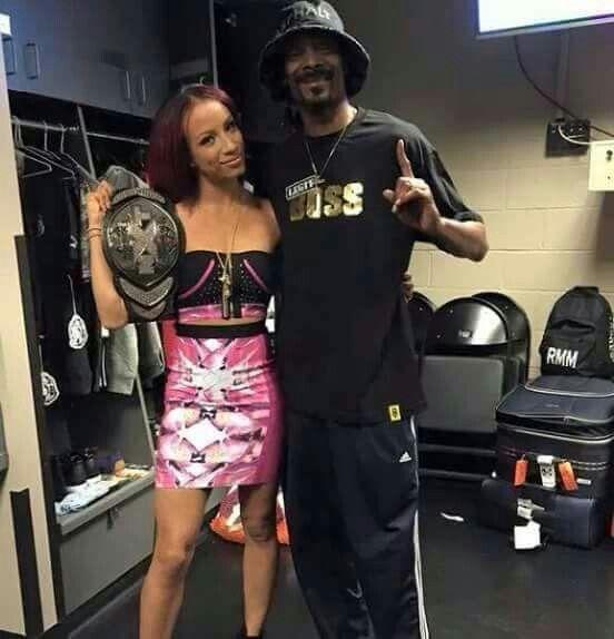 Sasha Bank & Snoop Dogg