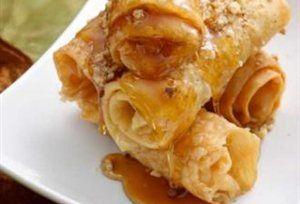 Очень вкусные греческие сладости Диплес (διπλεσ) из обжаренного теста в сиропе с орехами