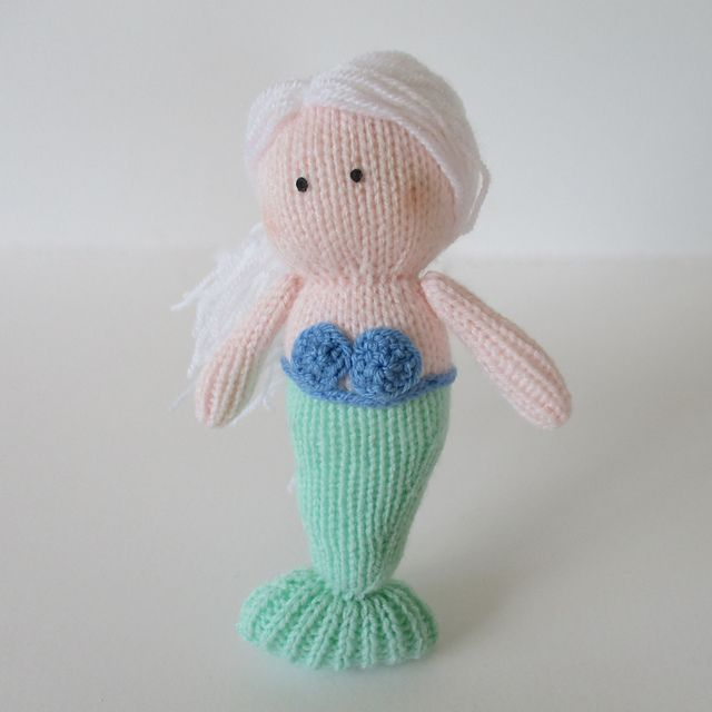 1177 Best Dolls Images On Pinterest Knitting Patterns Baby Doll