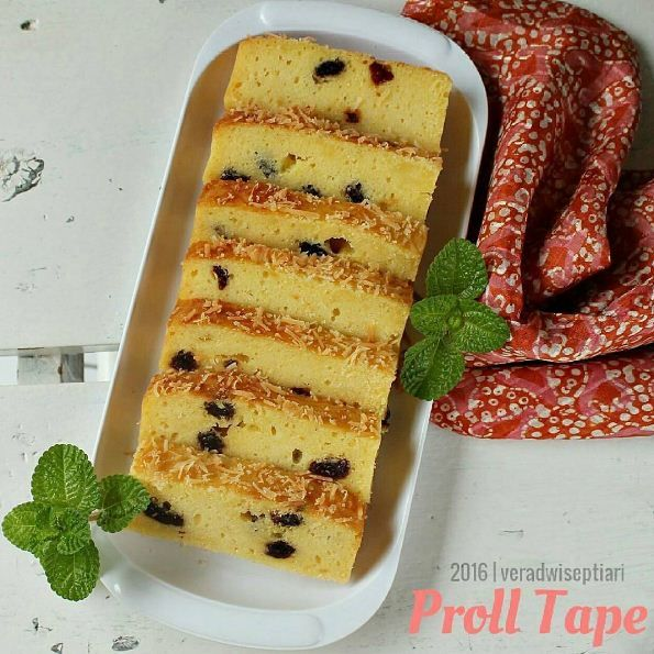 Pengen tau kan bagaimana cara membuat kue Proll Tape Keju Legit dan enak? Seperti ini nih resep proll tape yang bisa bunda coba, guampang banget kok..!