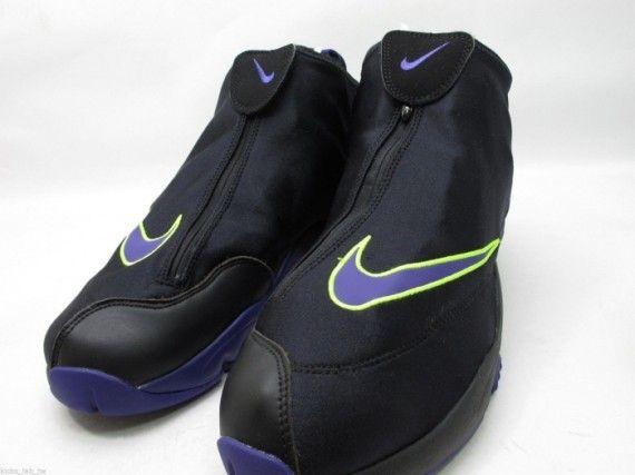 nike air zoom flight glove black volt purple 03 570x427 Nike Air Zoom Flight  The Glove