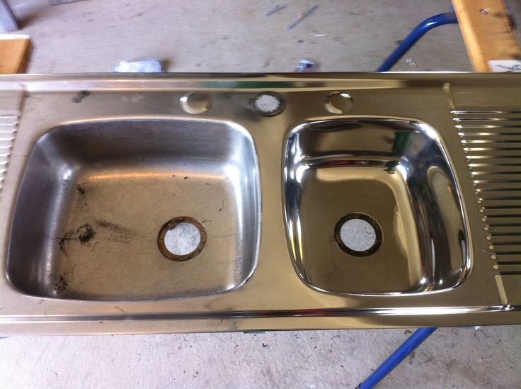 Restoring a stainless steel sink
