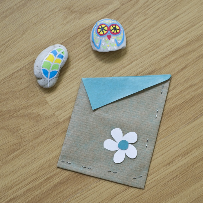 Painted stones + gift bag :)