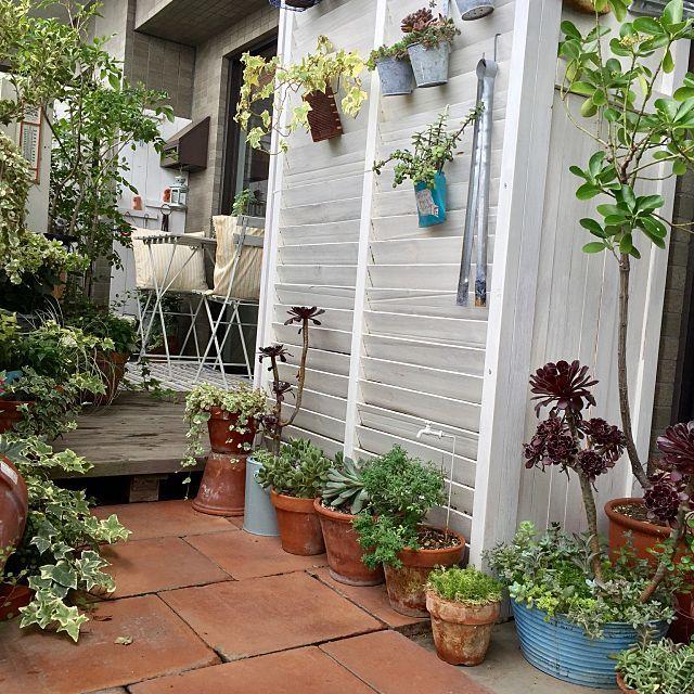 女性で、Otherのお庭改造計画♪/お庭/DIY/自転車置き場/ニトリ/玄関/入り口…などについてのインテリア実例を紹介。「我が家のDIYの大作! 自転車置き場! 少しづつ手を加えて お庭改造中です꒰ ♡´∀`♡ ꒱ GWはお庭いじりとDIY♡」(この写真は 2016-05-01 09:44:42 に共有されました)