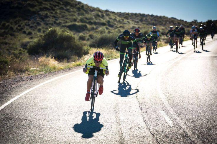 Échale un vistazo a nuestro resumen del fin de semana que compartimos Alberto Contador y Tomi Misser en el #skodacampus #fromwhereiride #roadcycling #stravacycling #trackbike #bici