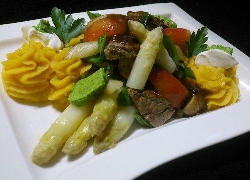 gastronection » Artikel » Beelitzer Spargel auf Süßkartoffelpüree mit Ochsenfetzen
