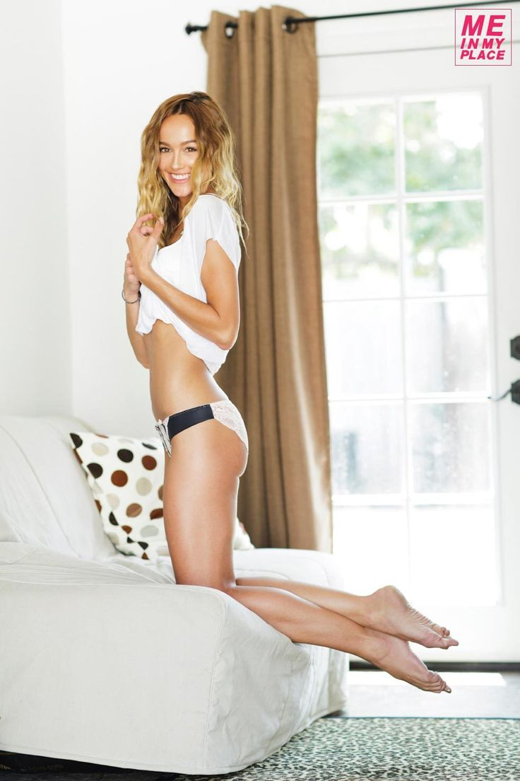 sharni vinson you re next