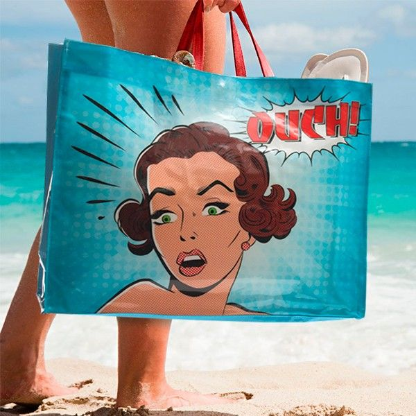 If you want to give a chic and unusual touch to your accessories this summer, don't miss the Comic Bubble handbag! It features a magnetized clasp.
