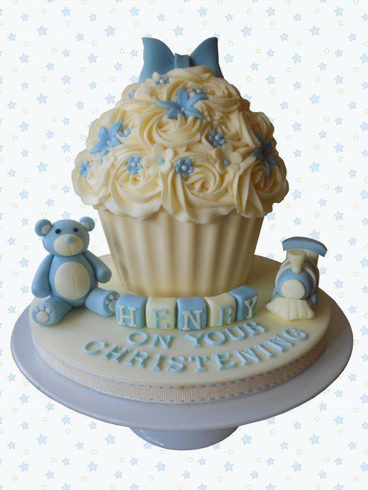 Christening+giant+cupcake+for+a+little+boy+-+Cake+by+Bezmerelda