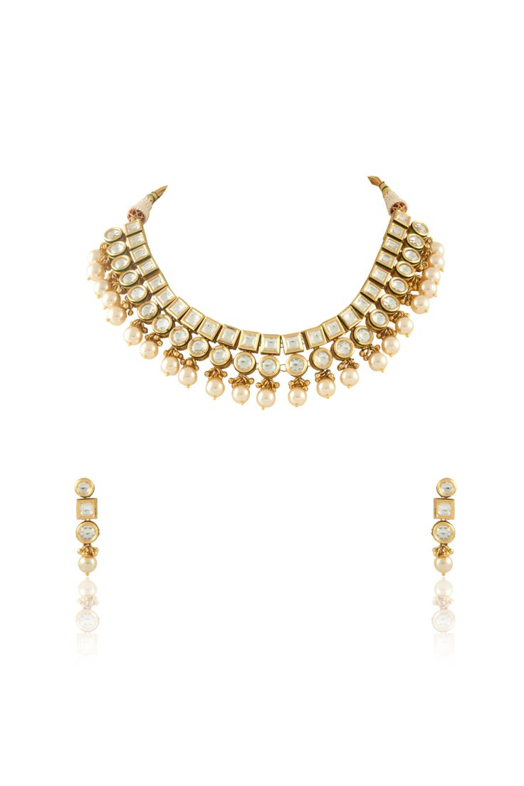 Vilandi set with pearl drop in gold plating. Item number J15-214