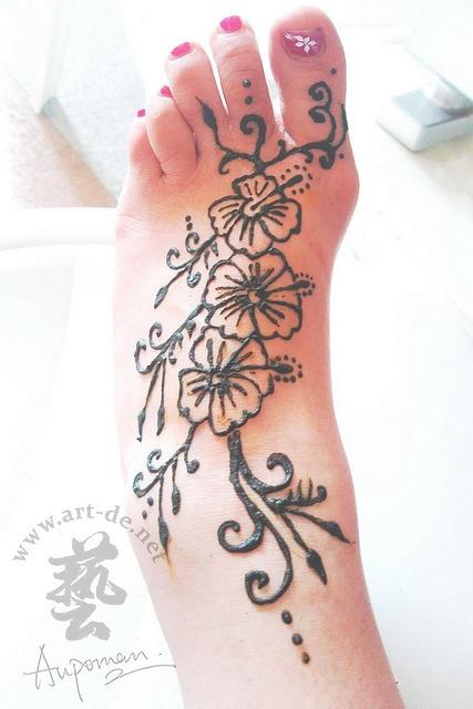 aupoman-hk-henna-tattoo-foot by Aupomans Tattoo, via Flickr