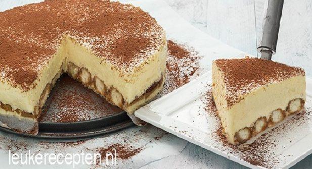 Gek op tiramisu? Deze tiramisu cheesecake met lange vingers ziet er fantastisch en smaakt voortreffelijk! - Zelfmaak ideetjes