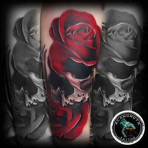 Realistic custom necro tattoo in flowres...τελεια ιδεα για το νεο σου μανικι ..το τατουαζ αυτο επουλωθηκε με Acattoo tattoo balm