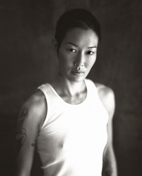 Love the combination of male and female that Jenny Shimizu has. She's so strikingly beautiful. Biddy Craft