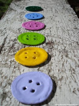 boutons capsules                                                                                                                                                                                 Plus