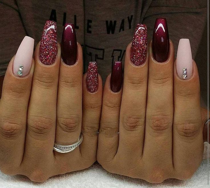 We have made a photo collection of Top 40 Beautiful Glitter Nail Designs  that you will for sure love to try. - 25+ Beautiful Red Nail Designs Ideas On Pinterest Red Black
