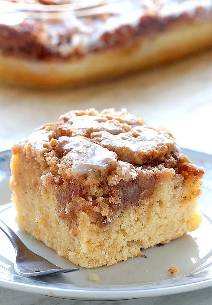 Easy Cinnamon Roll Coffee Cake - Cakescottage
