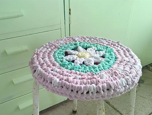 Crocheted seat cover, recyled rags