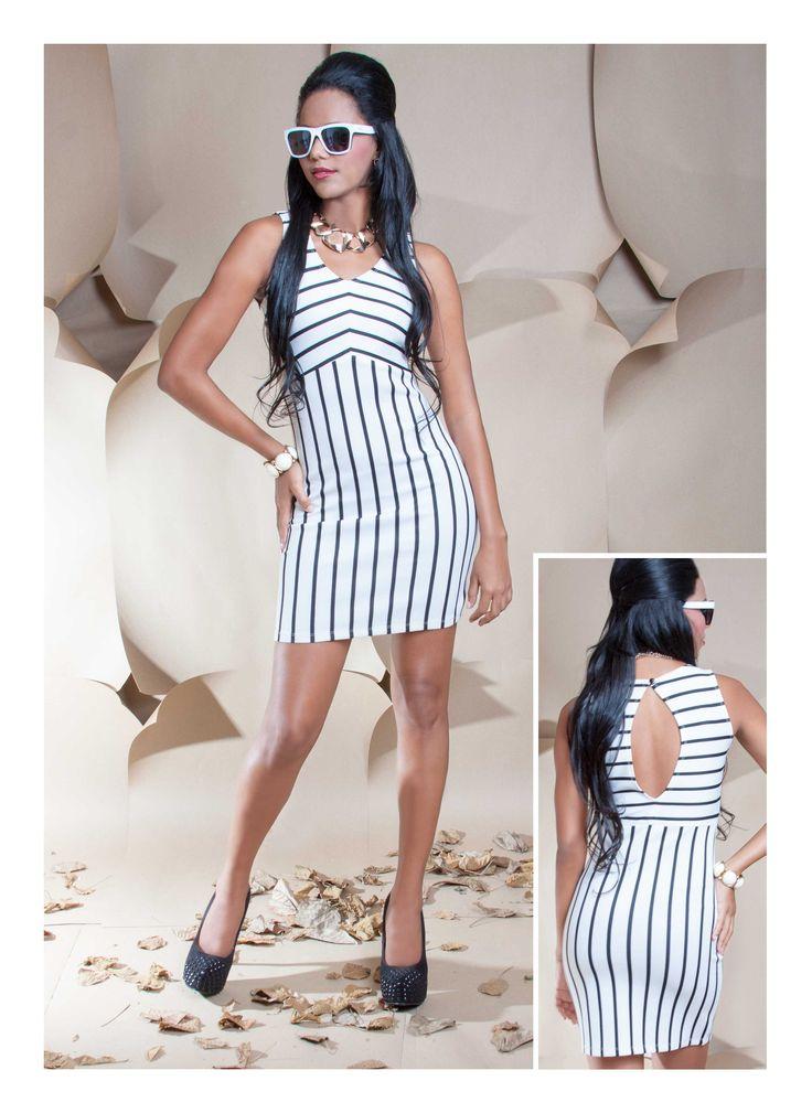 Vestido rayas blanco y negro y escote trasero. ZOCCA'S NEW COLLECTION !!! Encuentranos en nuestra tienda en linea . Ingresa a www.zocca.com.co . #clothing #fashion #eshop #tiendaenlinea #vestido #vestidoblancoynegro #vestidorayas #vestidorayasblancoynegro #vestidoescoteespalda