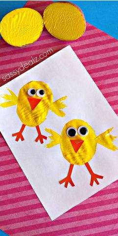 Chick Potato Stamping Craft #Easter craft for kids | http://www.sassydealz.com/2014/04/potato-stamping-make-chick-craft.html