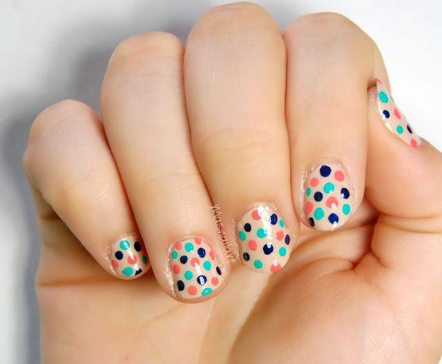 Más nail art.: Másnailartista: Uñas con lunares de colores.