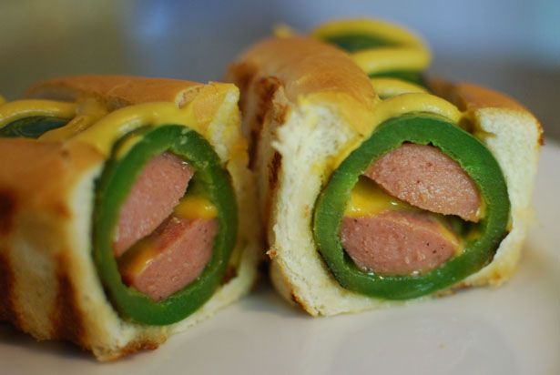 Jalapeno Popper Dog......why have I never thought about this???? This is what I'm having for dinner tomorrow night!!!