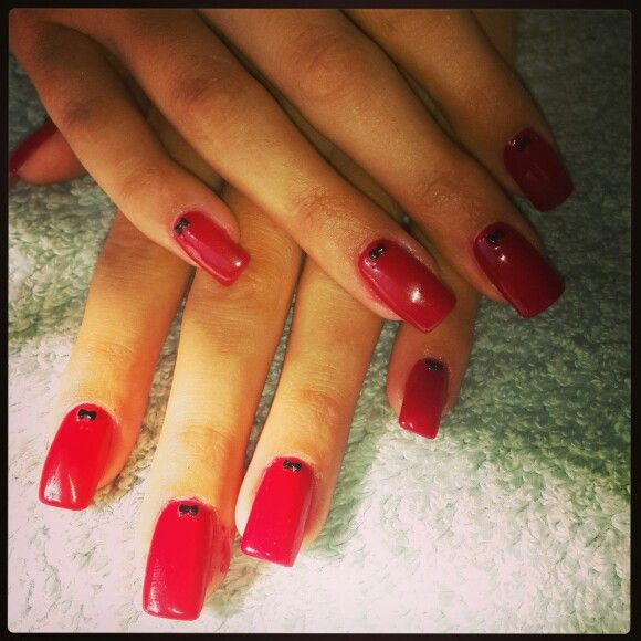 #nailart #nails #love #funky #red #gel#gelish #nailtechnician #barrettkirsten#bows