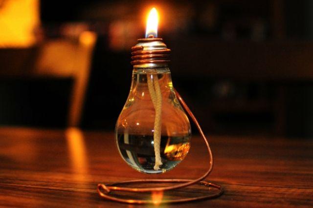 Recyclage du verre vue d'une lampe à huile