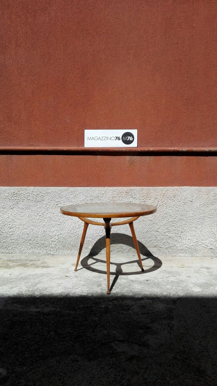 Tavolino da caffè anni 50 In faggio con ripiano in cristallo. Buone condizioni generali Misure 55x60h Costo 350€ #magazzino76 #viapadova #Milano #nolo #viapadova76 #M76 #modernariato #vintage #industrialdesign #industrial #industriale #furnituredesign #furniture #mobili  #modernfurniture #antik #antiquariato  #tavolino #sgabello #nero #Castiglioni  #solocoseoriginali #anni50 #coffeetable #tavolino #designaddict #bestpicture #wood #design