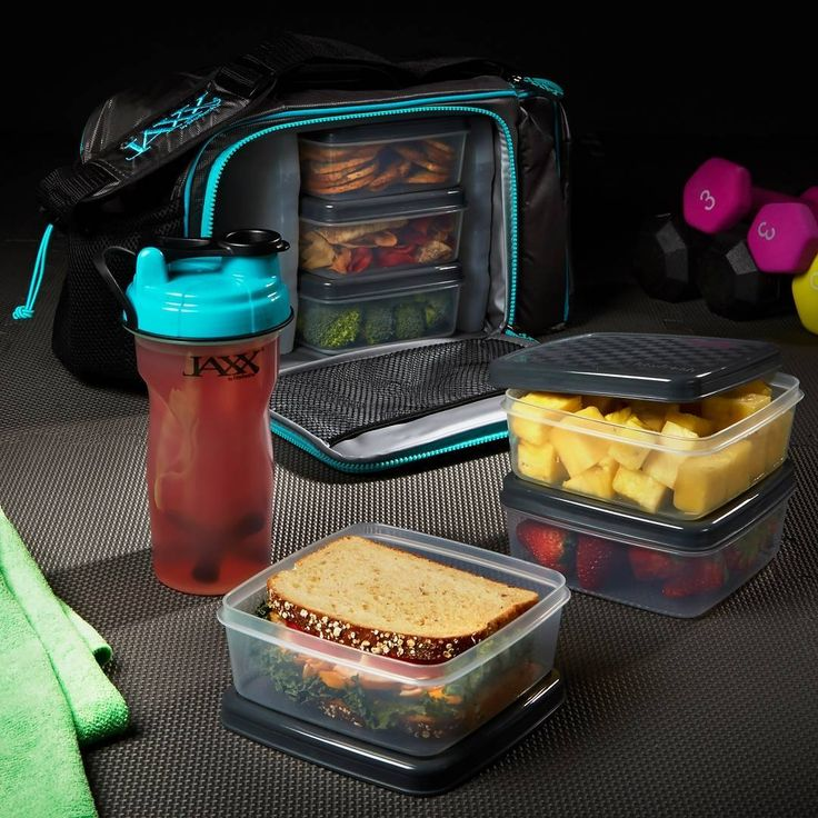 The Jaxx FitPak XL meal prep bag comes with 8 containers, 2 ice packs, and a 28 oz Jaxx shaker. Everything you need to get started on your health and fitness journey!