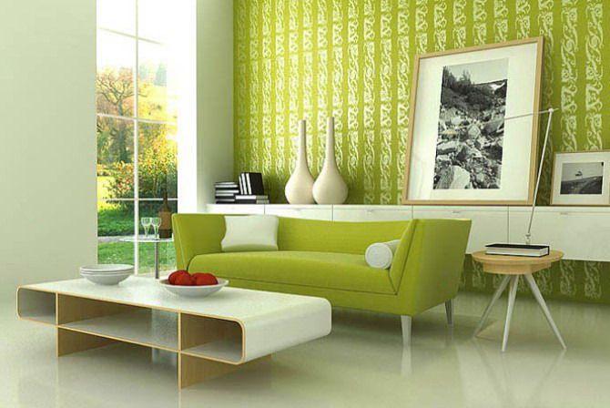 Яркий диван в зеленом интерьере