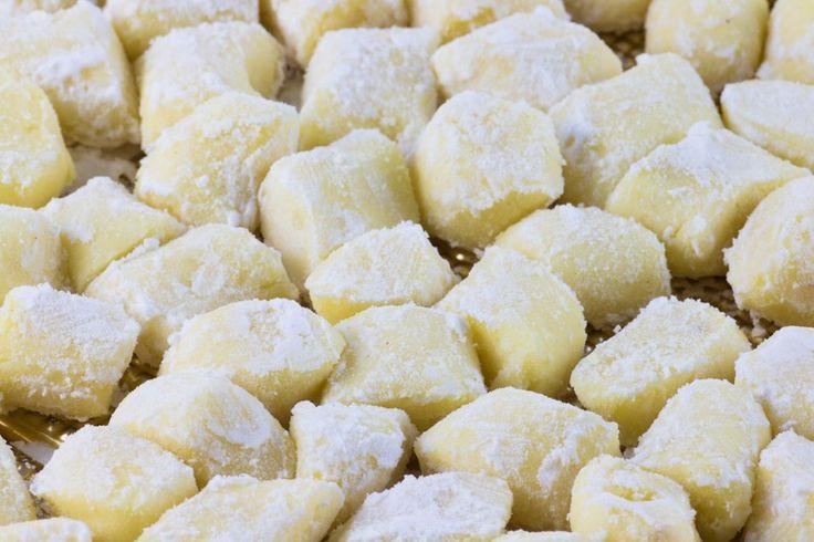Gli gnocchi di patate senza glutine sono una preparazione di base perfetta anche per i celiaci. Ecco la ricetta ed alcuni consigli utili