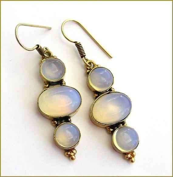 Moonstone woman earrings Boucles d'oreilles pierre de