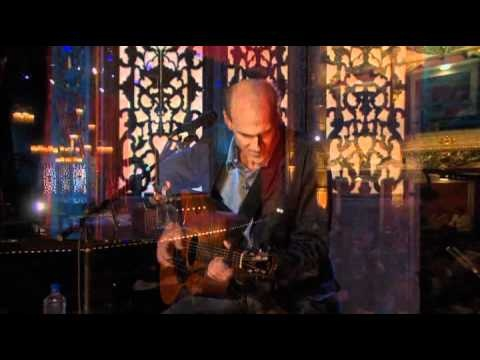 """James Taylor - Something In the Way She Moves                                           2007 concert """"One Man Band"""". It was performed at the Colonial Theatre in Pittsfield, Massachusetts"""