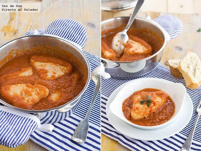 Receta clásica de bonito con tomate  http://www.directoalpaladar.com/recetas-de-pescados-y-mariscos/receta-clasica-de-bonito-con-tomate