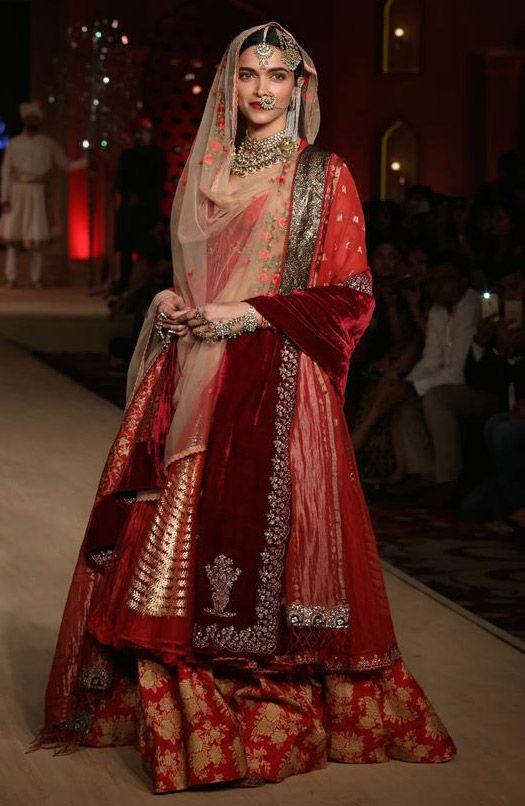 Scarlet Bindi - South Asian Fashion Blog by Neha Oberoi: BLENDER'S PRIDE FASHION WEEK 2015: ANJU MODI