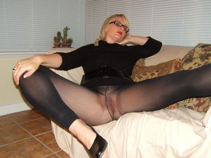 Pantyhose upskirt ballet