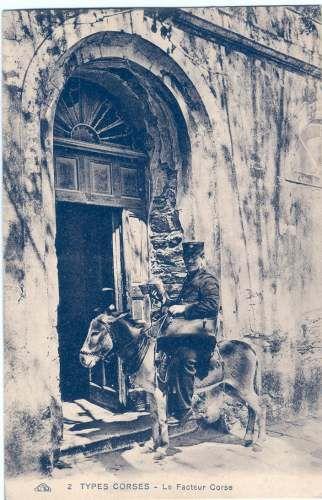 Le facteur Corse juché sur son ane distribue le courrier