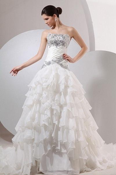 Strapless Trumpet-Mermaid Organza Wedding Dresses wr0662 - http://www.weddingrobe.co.uk/strapless-trumpet-mermaid-organza-wedding-dresses-wr0662.html - NECKLINE: Strapless. FABRIC: Organza. SLEEVE: Sleeveless. COLOR: White. SILHOUETTE: Trumpet/Mermaid. -
